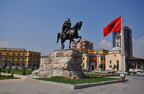 транспорт за Албания