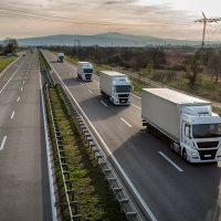 пратки от Великобритания до България