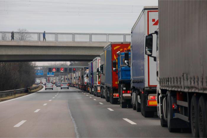 камиони за международен транспорт