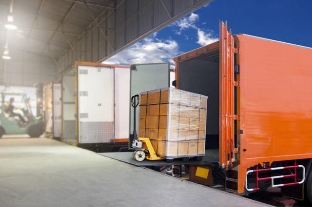Транспортни средства за комплектни товари